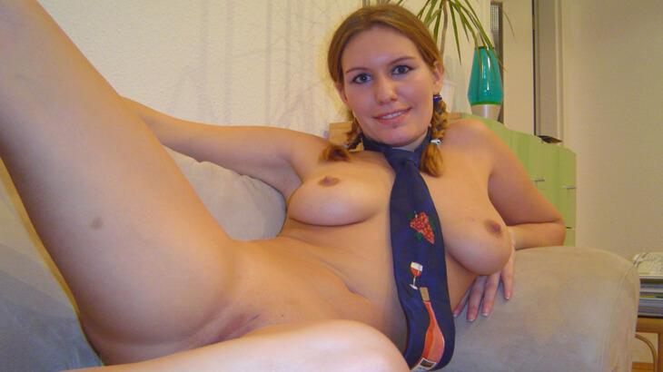 geile amateur blondine vor der sexcam